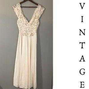 Vintage Olga Ivory Nylon & Lace Nightgown